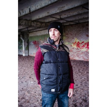 Жилет Addict Mountain Vest Black/Bush